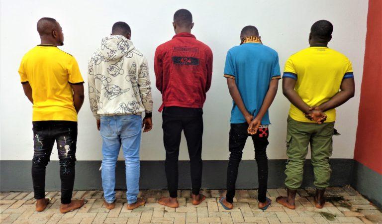 EFCC raided 10 suspected internet fraudsters in Enugu